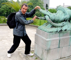 Mark fighting with bronze crocodile in Brussels