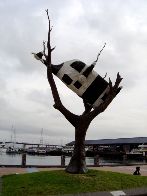 "John Kelly, ""Cow Up a Tree"", bonze, 1999, Docklands"