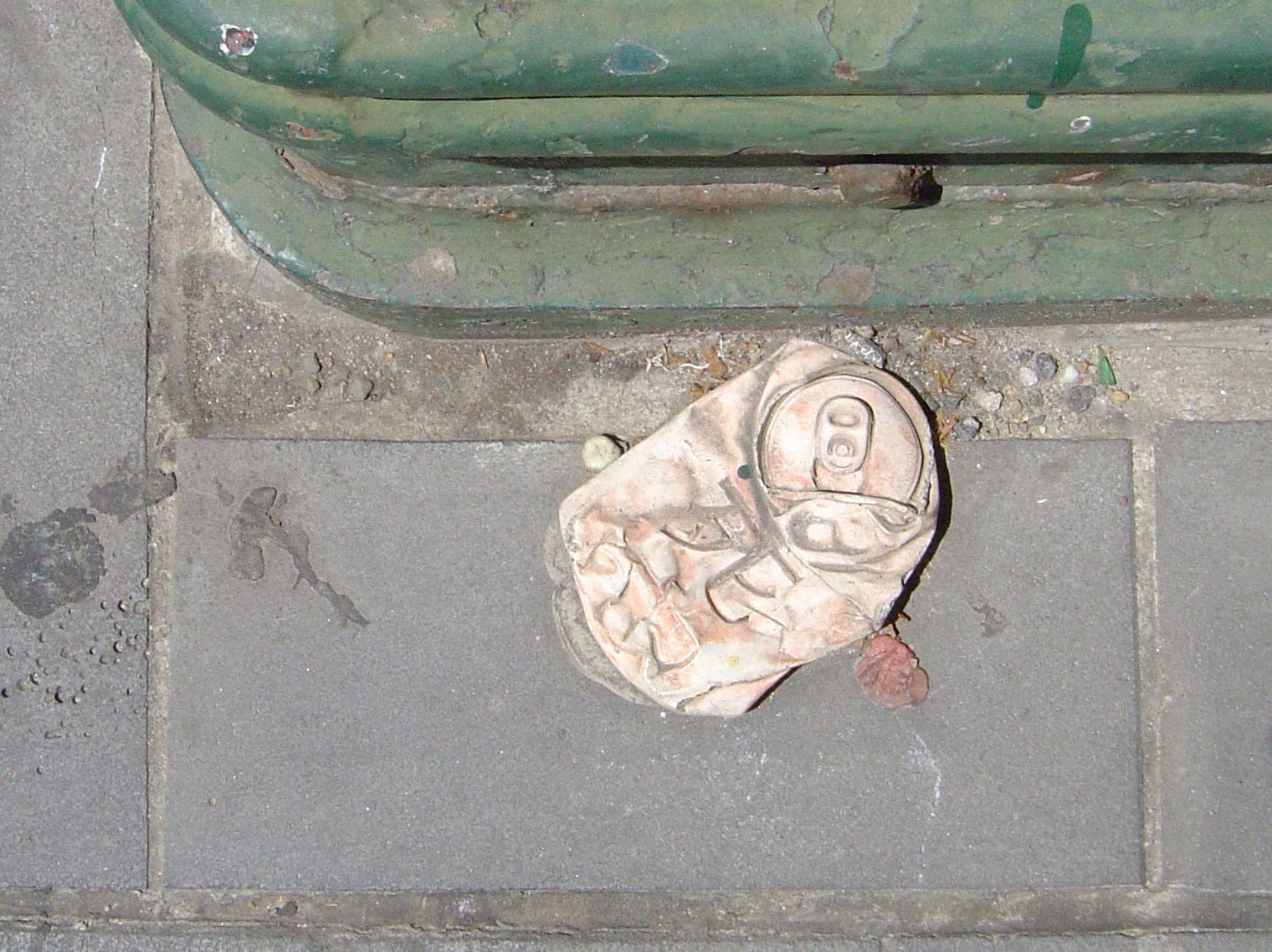 Street art sculpture iii black mark