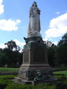 James White, Queen Victoria Memorial, 1903